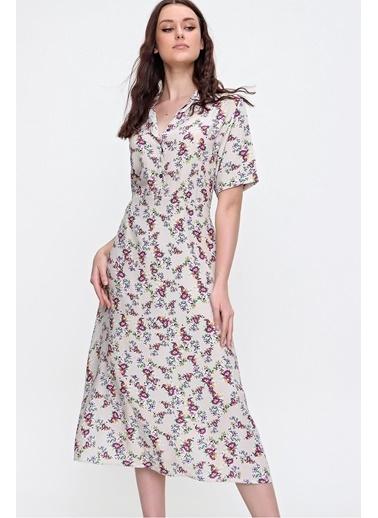 Pink Park Gömlek Yaka Yarım Patlı Çiçek Desenli Dokuma Viskon Elbise RD00013 Bej
